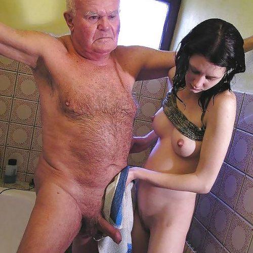 Opasex in der Dusche