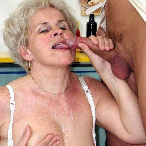 Reife Oma bekommt Sperma