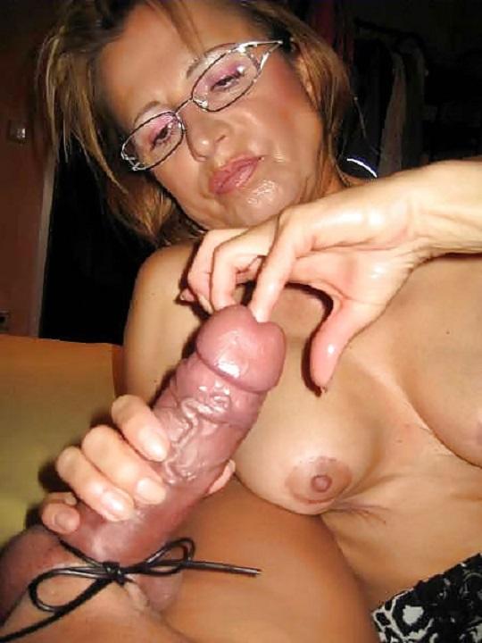 Alte Frau fingert Pimmel