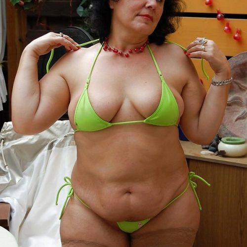 Oldie Porno im Bikini