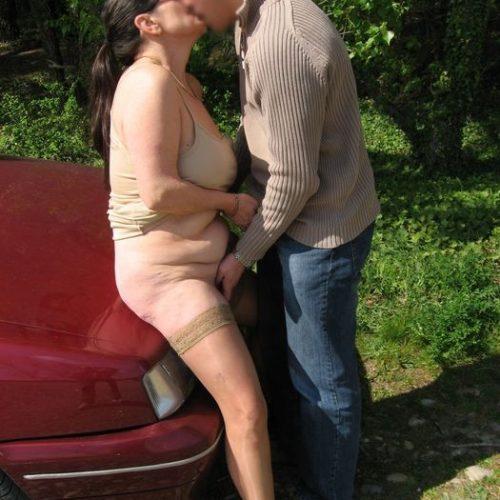 Oldieporno auf dem Auto